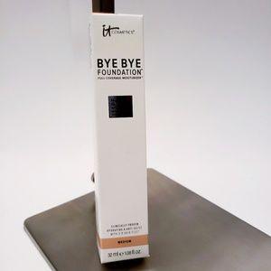 It Cosmetics | Bye Bye Foundation in Medium